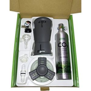 ISTA CO2 Bottle 0.5L Set inside the box